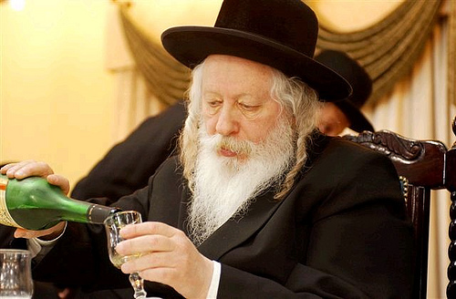 Rabbi-wine-glass
